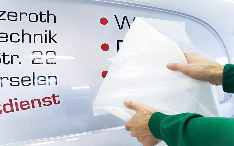 Montage Plotterfolien mit Übertragspapier