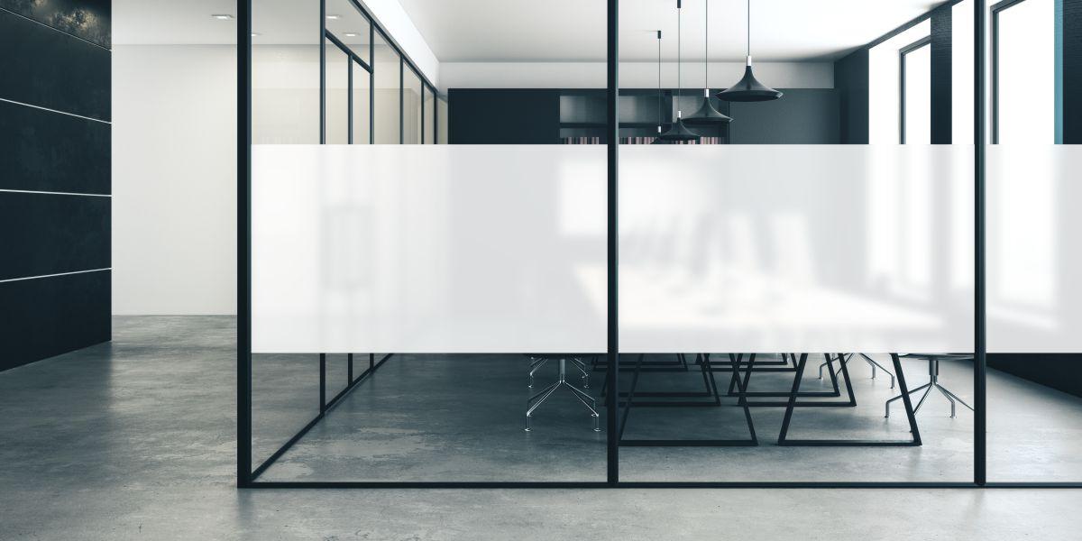 Büro mit Sichtschutz mit Milchglasfolien