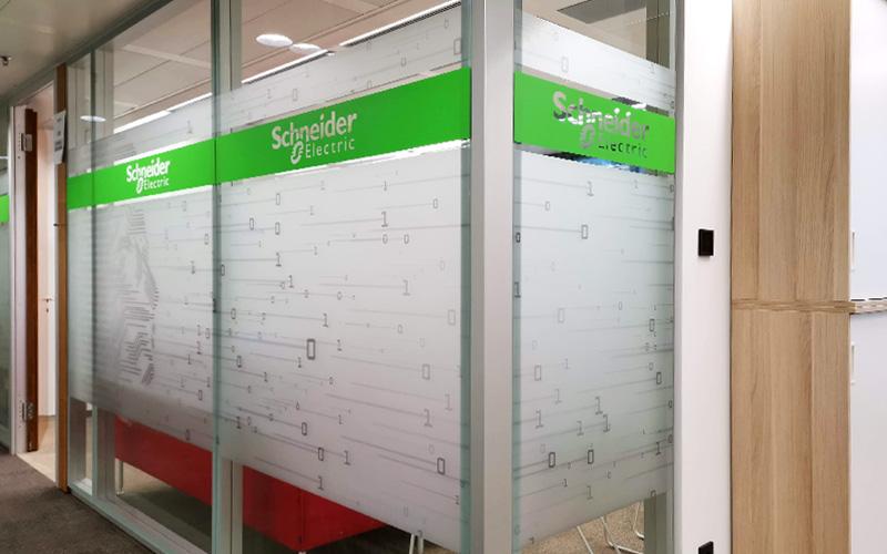 Sichtschutzfolierung Schneider Electric